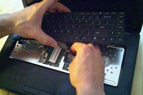 thay bàn phím laptop dell